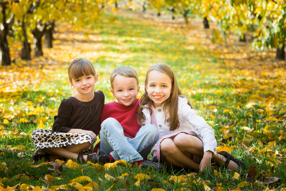 browns-orchards-loganville-pa-family-portrait-photography-artemas-photography-2